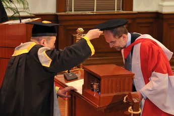 Conferment of the degree of Doctor of Science <i>honoris causa</i> upon Professor Sir Alec John JEFFREYS
