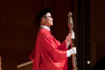 Dr Gordon WONG, the Mace-Bearer of the Congregation